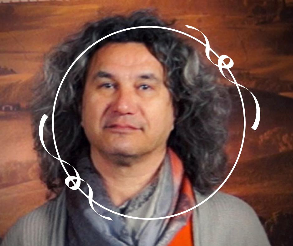Pascal, Praticien en techniques vibratoires et sonores, expert en bols de cristal chantants, coach et chef d'entreprise
