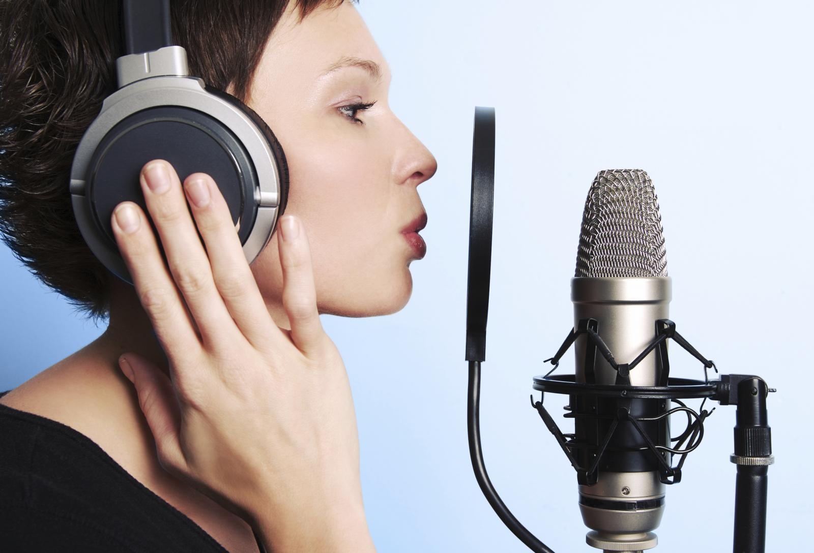Le métier de voix-off