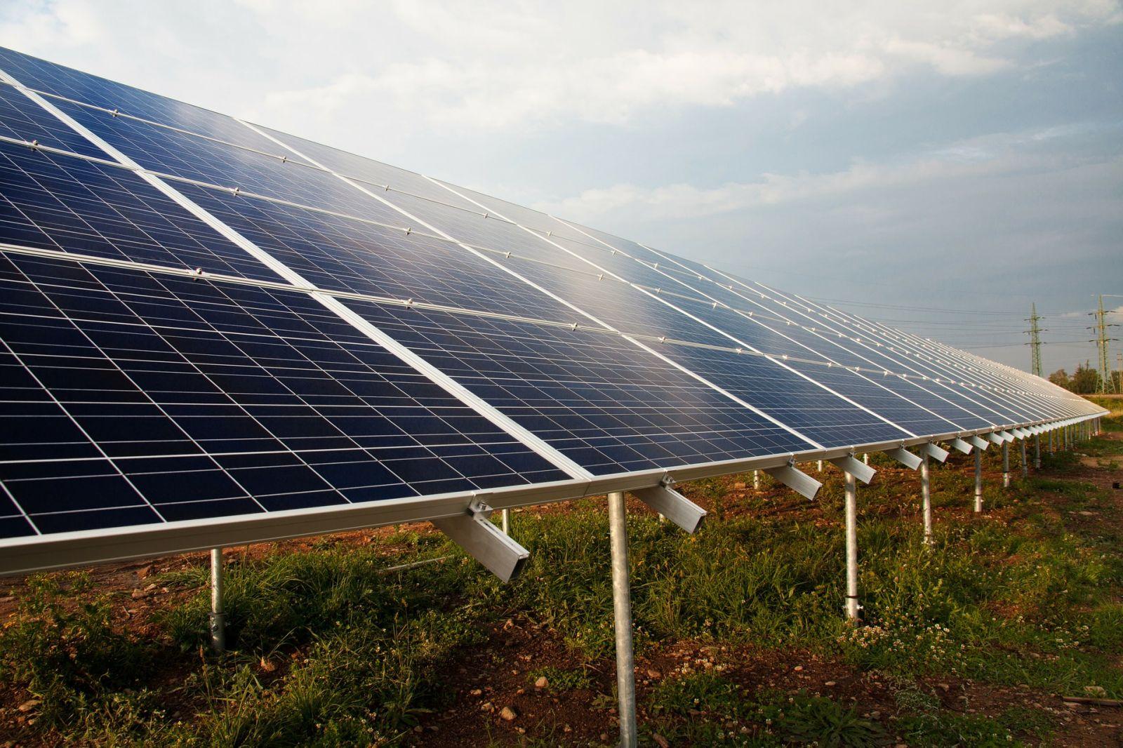 Centrale photovoltaïque au sol avec production de gaz : une mauvaise idée ?