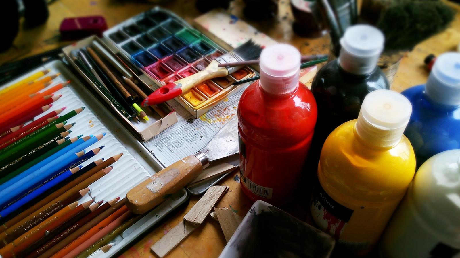 8 astuces pour mélanger efficacement la peinture acrylique