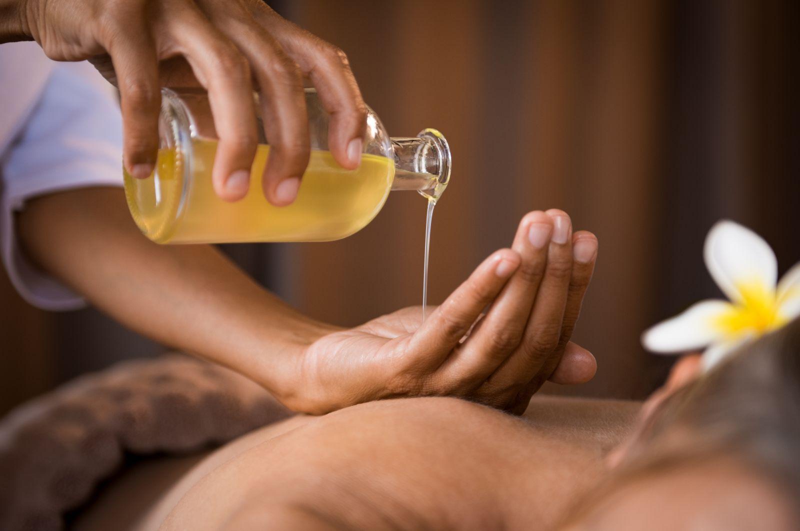 """Résultat de recherche d'images pour """"massage art du toucher noir et blanc"""""""