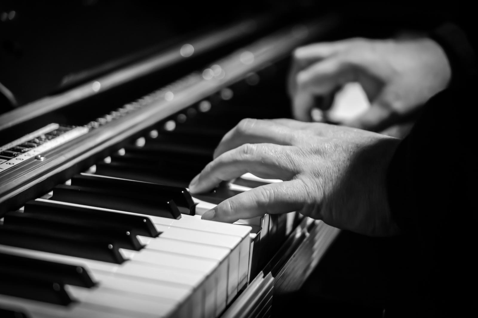 Jouer du piano sans faute et avec fluidité.