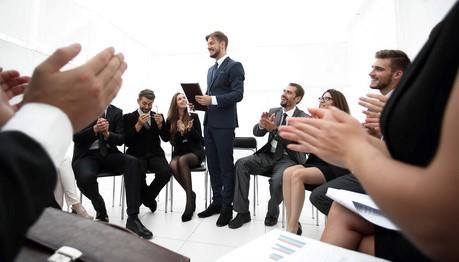 Management bienveillant, vague de fond ou effet de mode