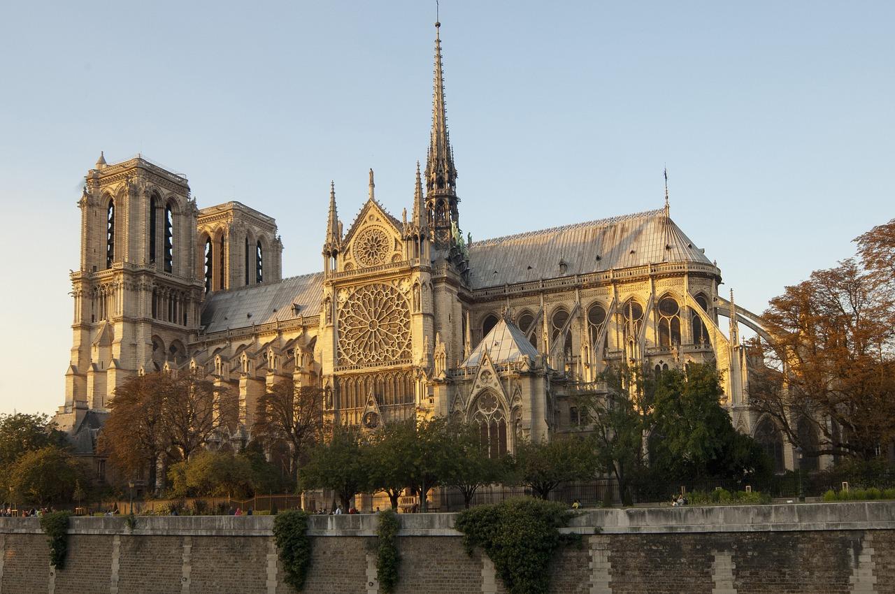 Notre-Dame de Paris, pourquoi tant d'émotion?