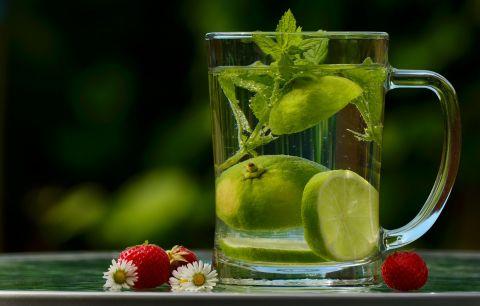 Eau citron fraises